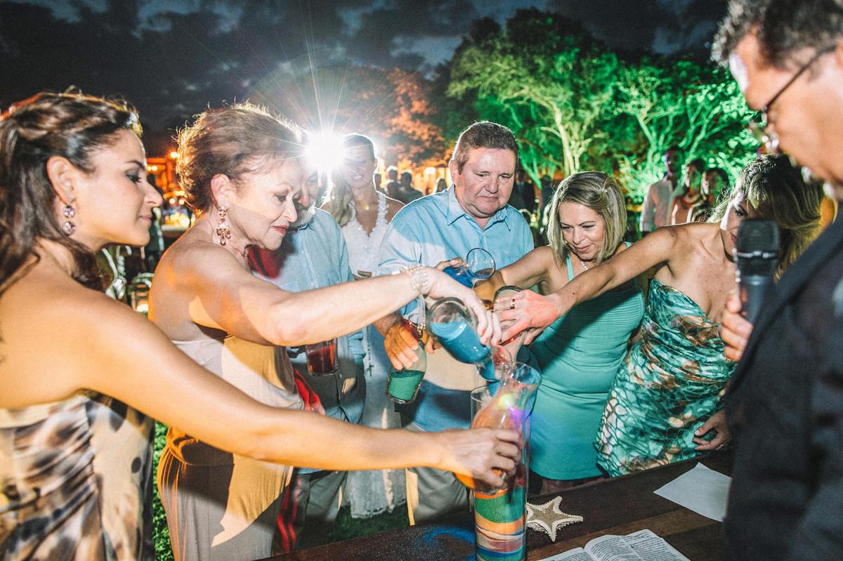 Cerimônia das areias em casamento em Búzios-RJ