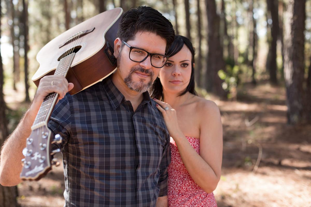 Ensaio romântico no estilo folk fotografado pelo fotógrafo de casamentos Rafael Ohana em Brasília-DF