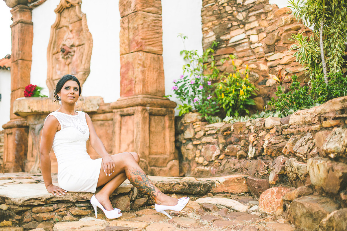 Noiva posando foto feita pelo fotógrafo Rafael Ohana em Paracatu-M