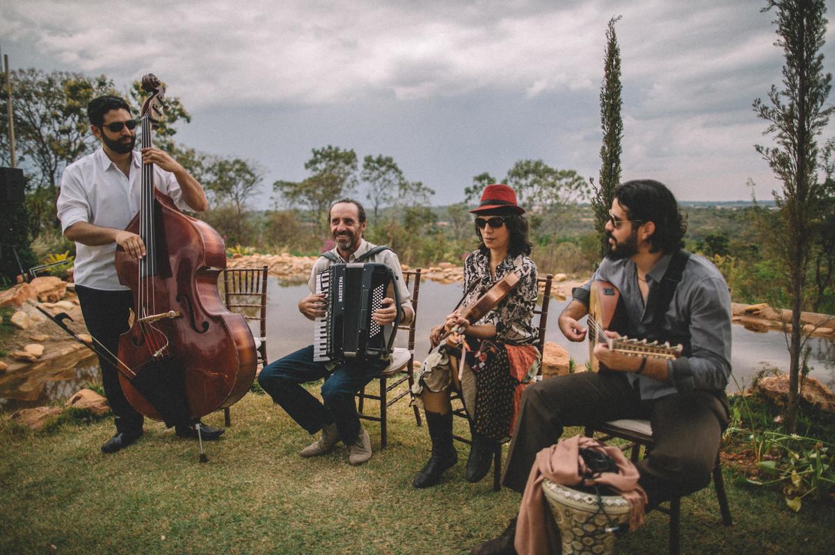Banda de música cigana tocando em casamento no Villa Giardini em Brasilia-DF