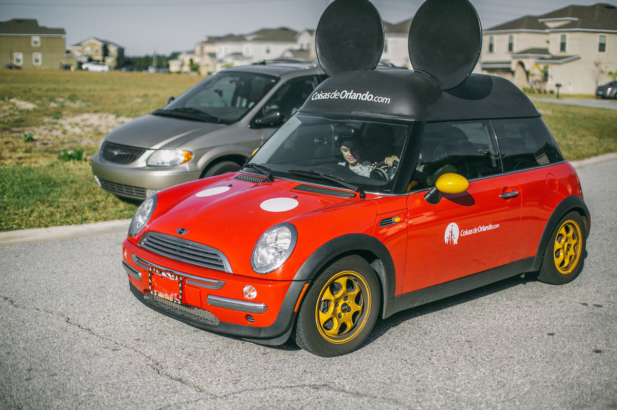 carro do Mickey da empresa Coisas de Orlando