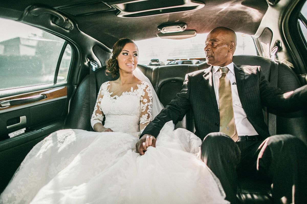 Noiva com seu pai dentro de Limosine em Orlando-FL