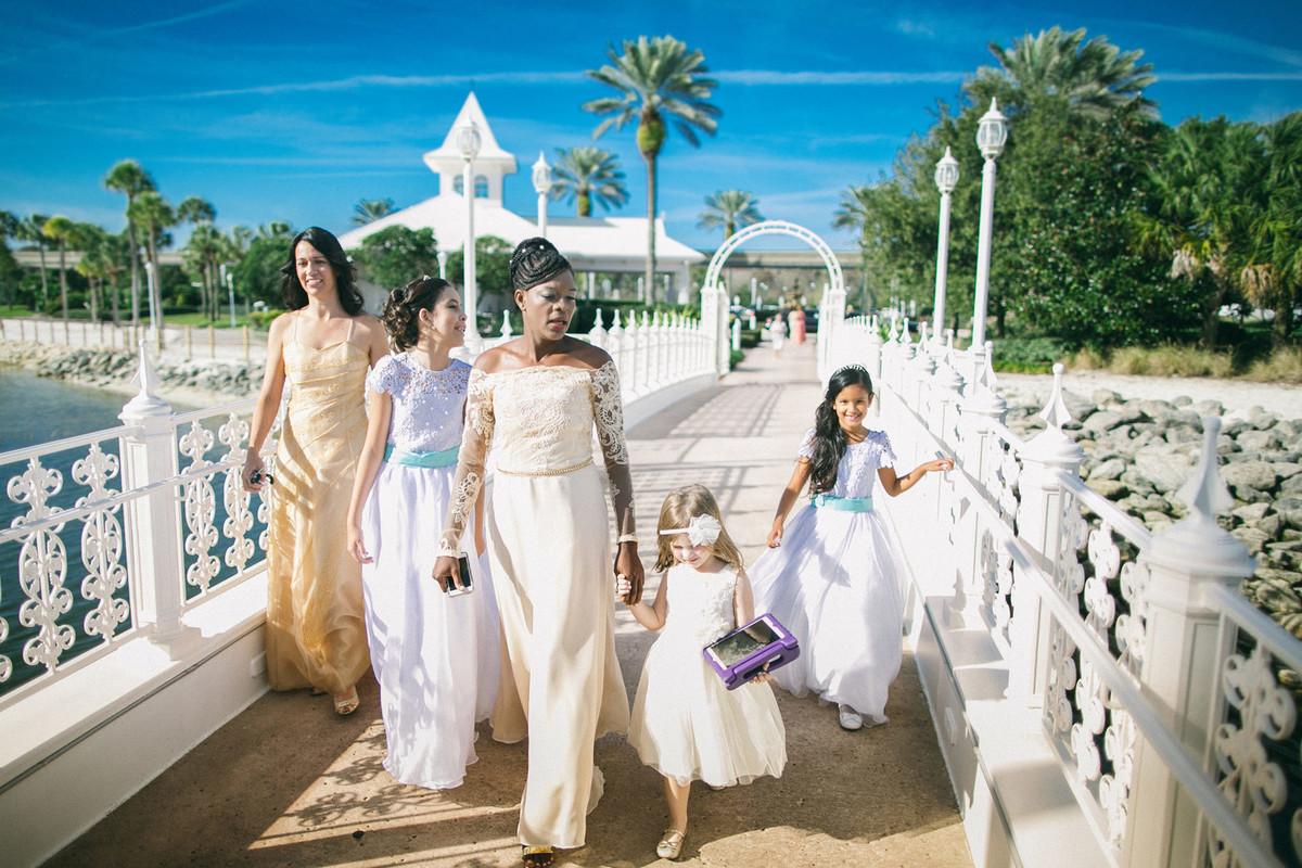 Madrinhas chegando ao casamento na Disney no Wedding Pavillion