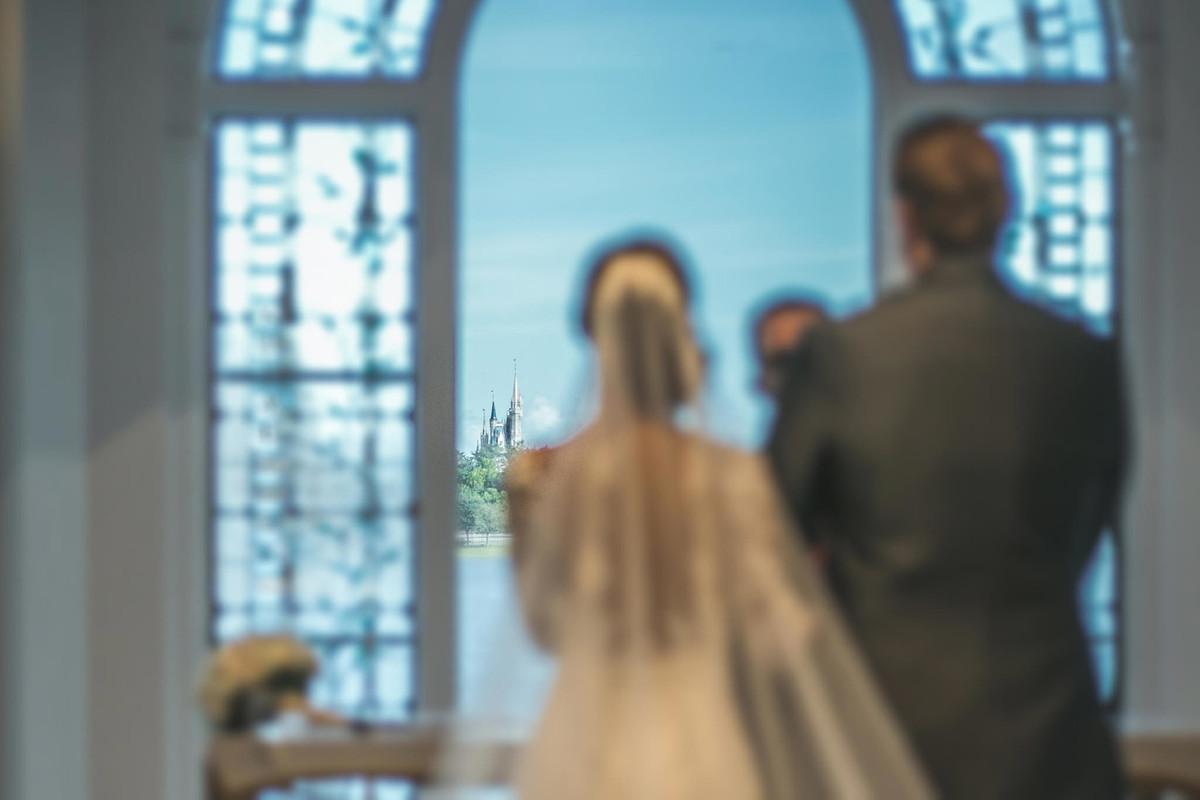 Casamento na Disney Wedding Pavillion com Castelo da cinderella ao fundo