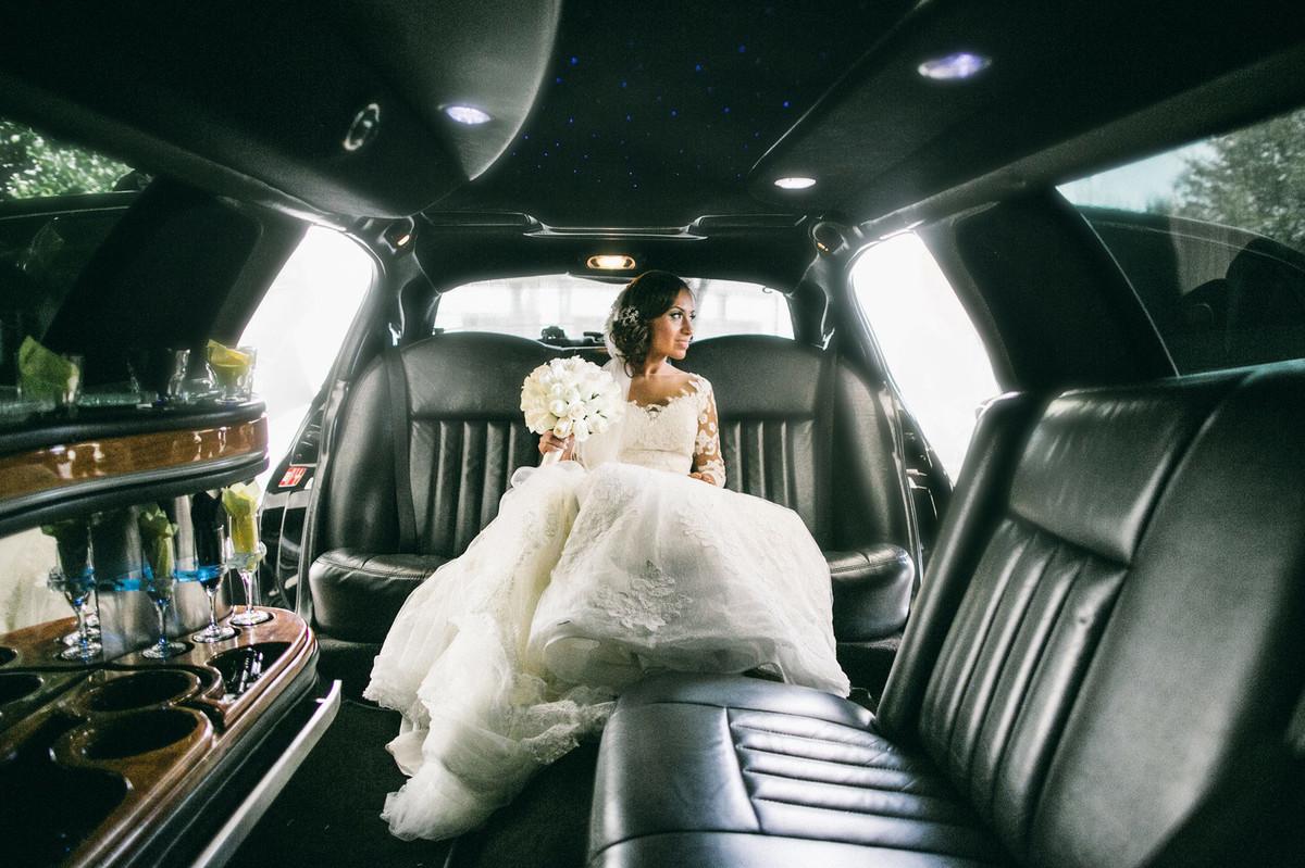 Noiva em limosine