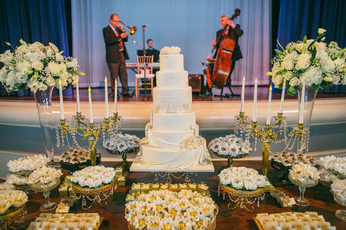 Bolo de casamento Atlantic Dance Hall na Disney em Orlando-FL
