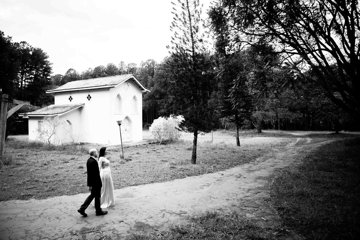 a caminho do altar, o casal de noivos, fotografados por beto oliveira, fotografo de uberlândia, minas gerais