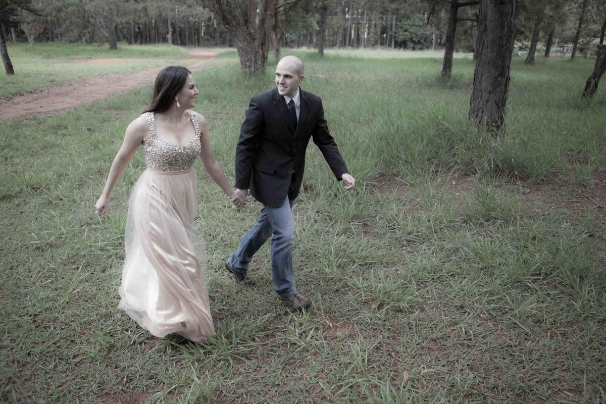 felizes os noivos no momento do ensaio fotografico do pré wedding do destination wedding de Ana Flavia e Vicent