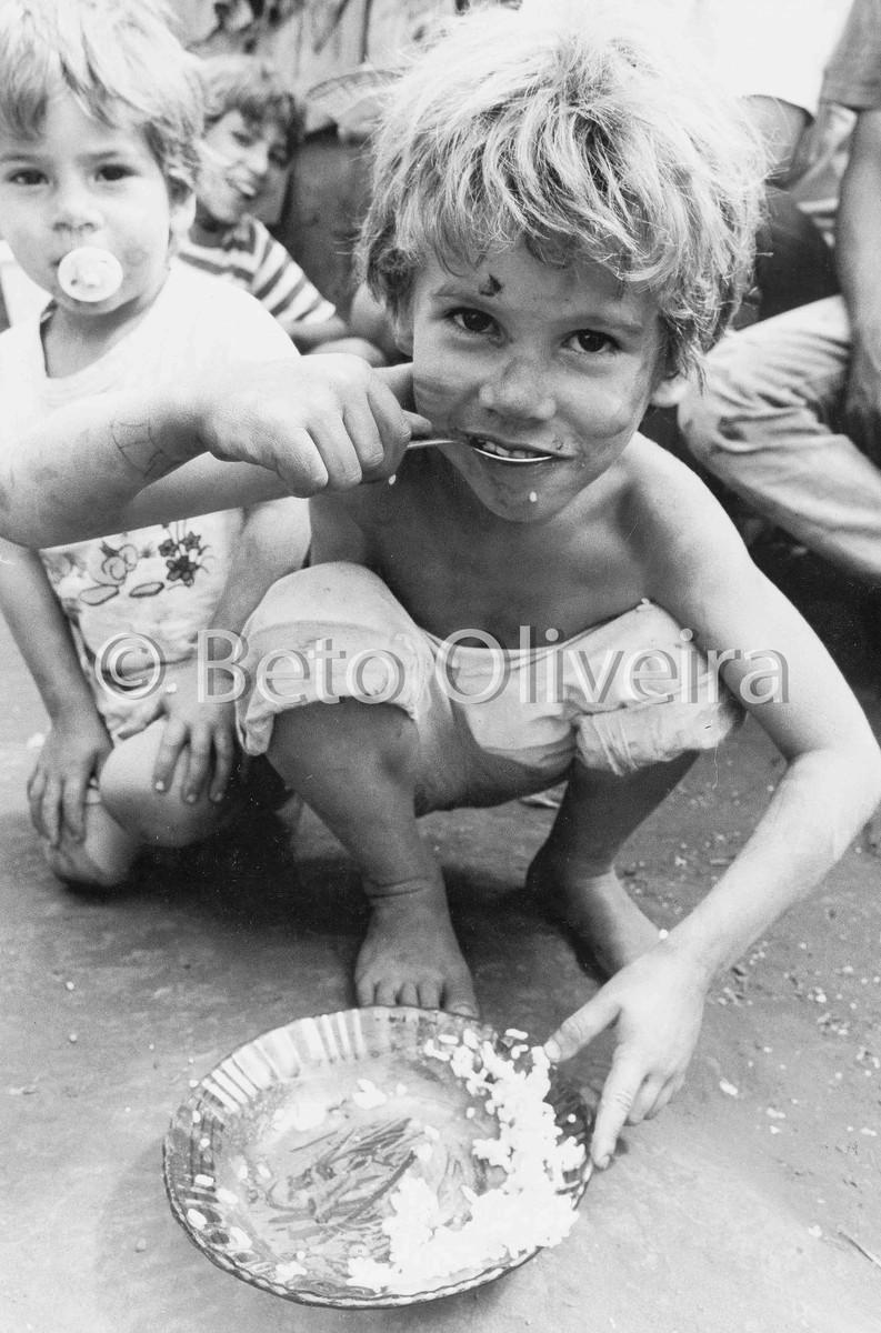 fome, criança, fotografia, beto oliveira