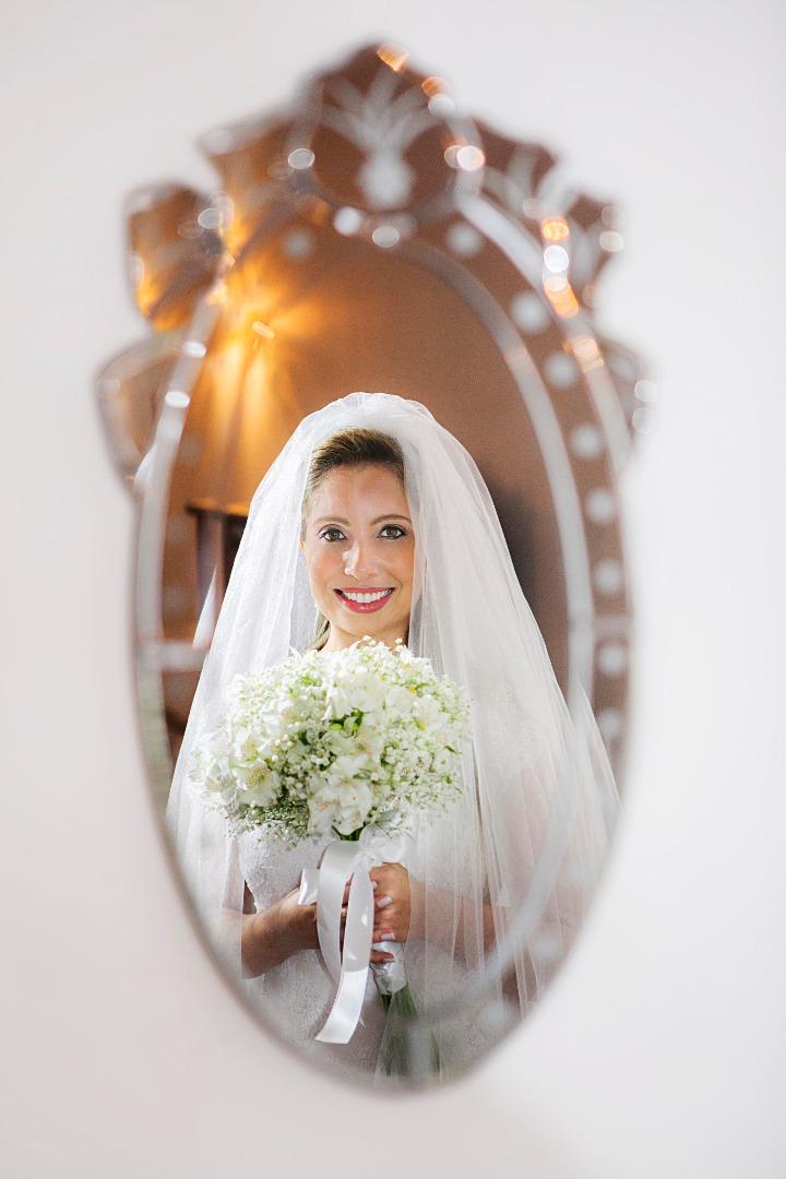 noiva,bouquet,bride,flores,make up,uberlândia,fotografo,casamento,wedding,salao,belezacarro,noiva,noivos,alegria,recepçao,elegante,linda,evaldo,hill,vestido,bouquet,bride,flores,makeup,uberlândia,fotografo,casamento,wedding,salao,beleza,baton,espelho,vest
