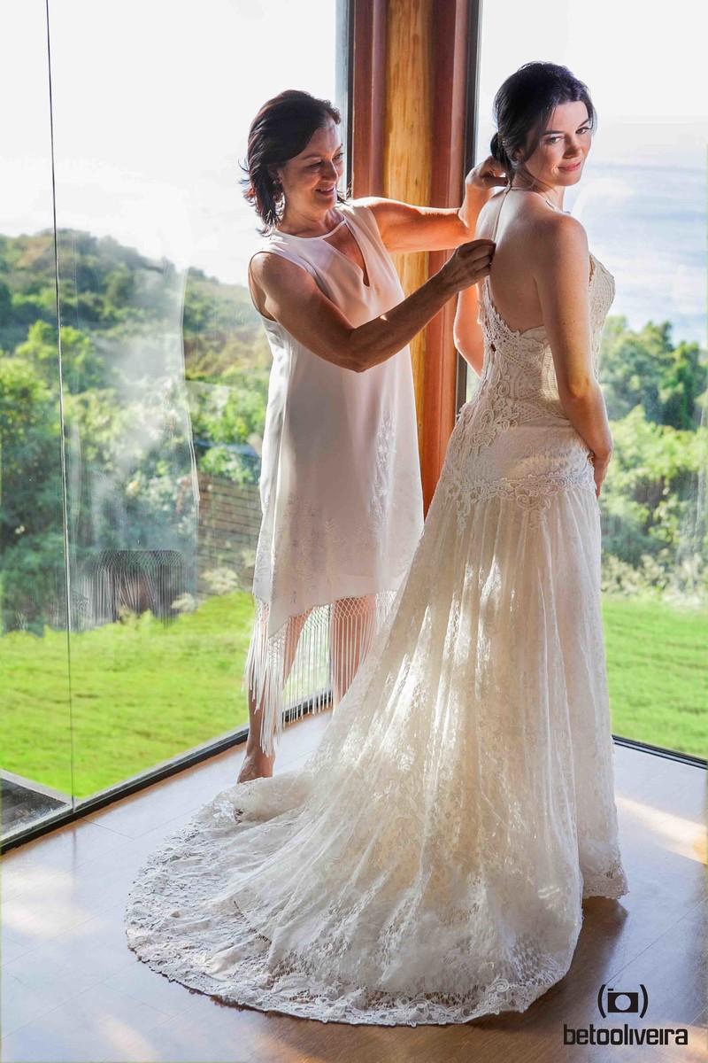 mãe da noiva, noiva, vestido de noiva, casando em Fernando de Noronha, casamento em Noronha, wedding destination, linda noiva