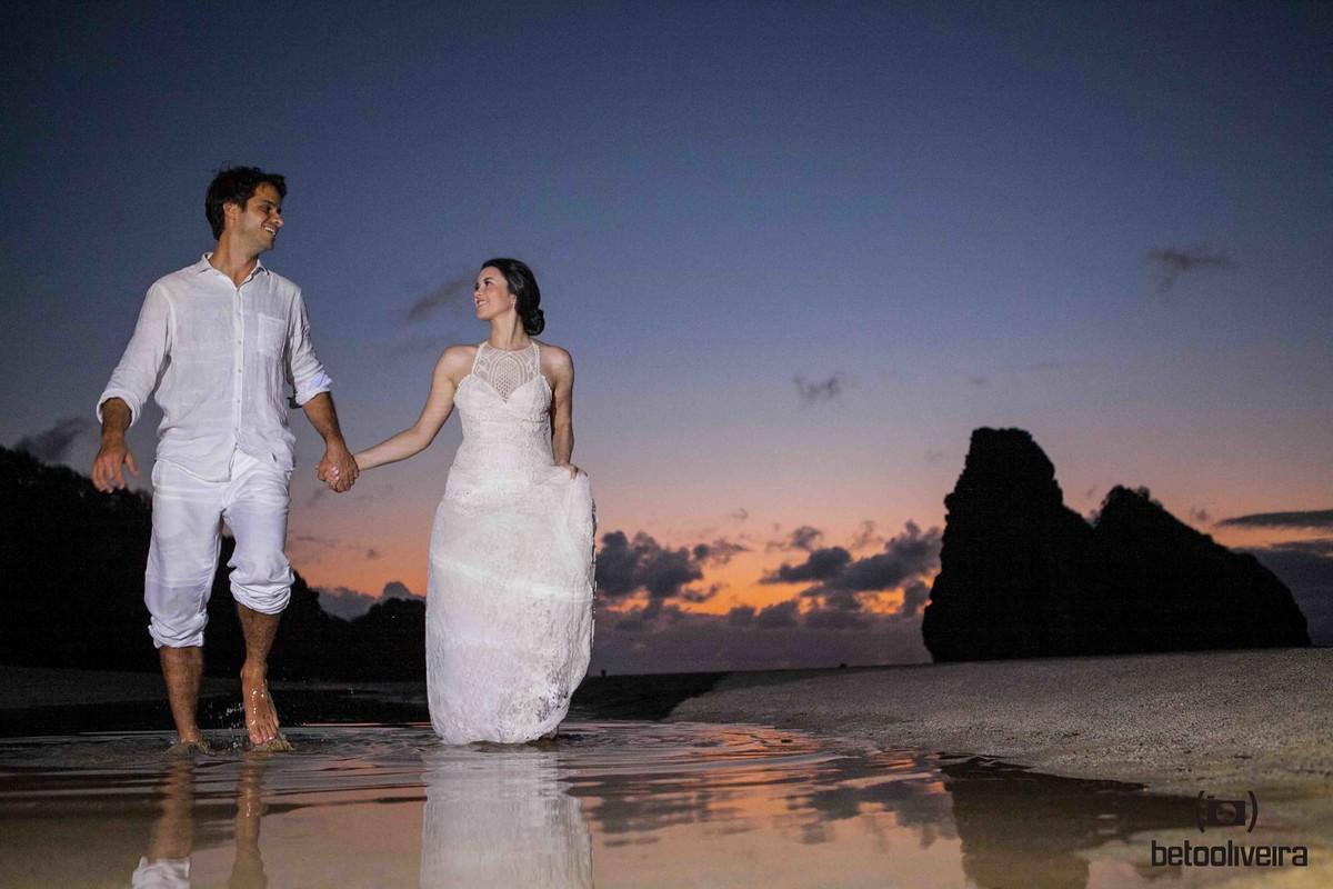 casamento, casal, casamento em fernando de noronha, praia,pôr do sol, destination wedding