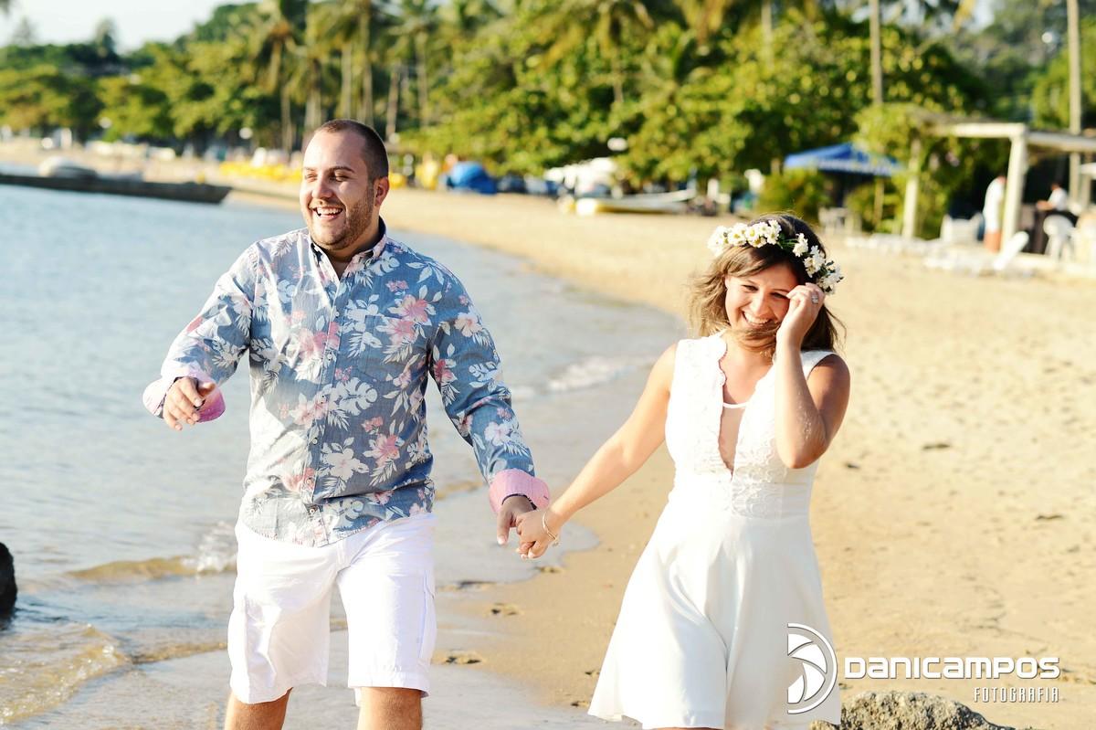 fotografar na praia - ensaio de casal
