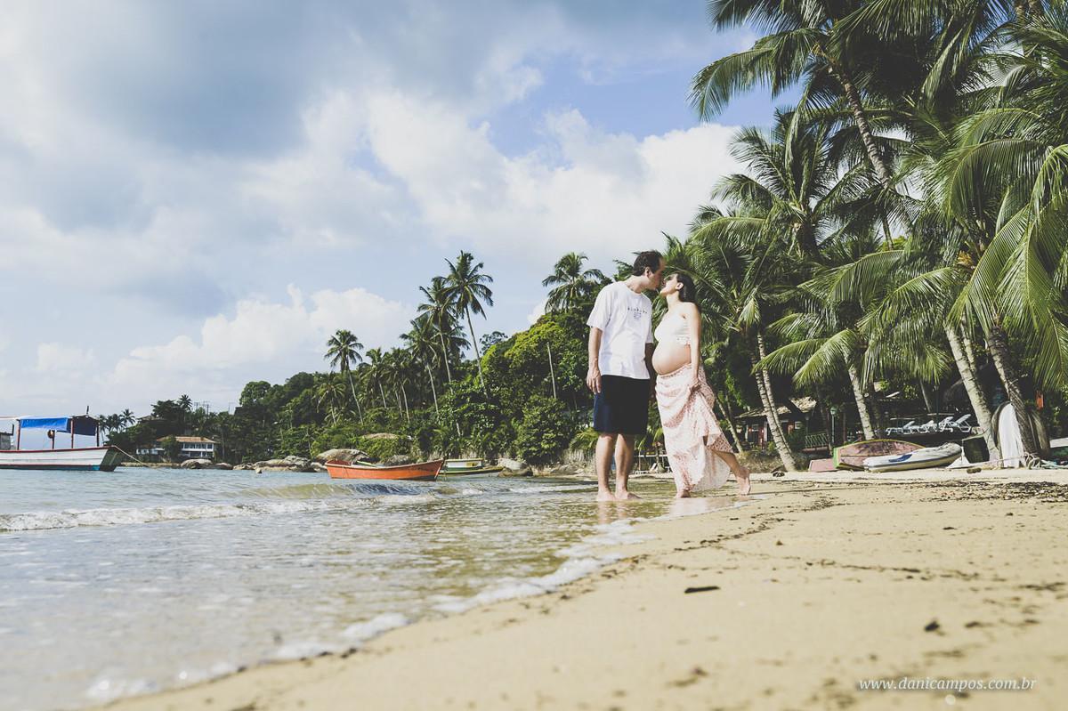 Ilha Bela, fotografia gestante, ensaio gestante, ensaio gestante na praia, Ilha Bela, gestante, maternidade