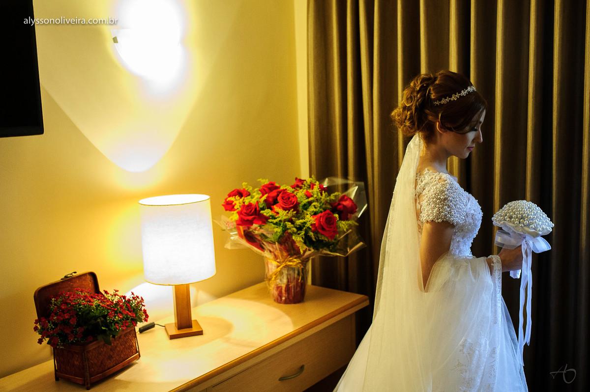 Alysson Oliveira fotografo de Casamento, Fotografo em Uberlandia, Fotografo de Casamento no Brasil, Fotografo de Casamento em Uberaba, Fotografia Artística, veu de noiva, coroa para noiva