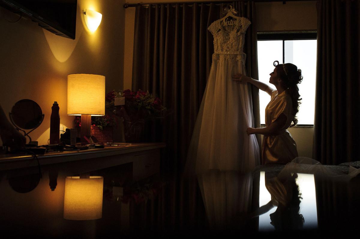 Alysson Oliveira Fotografo em Uberaba, Vestido, Fotografo de casamento, making off