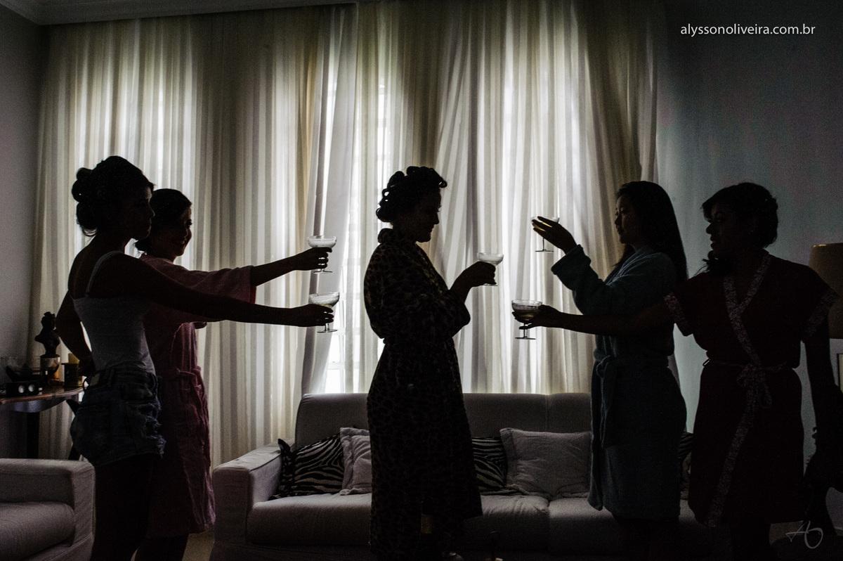 Alysson Oliveira fotografo de casamento no Brasil, Fotografo de Casamento em Uberlandia, Fotografia de Casamento, Casamento, Karine e Cleider, Making off de Casamento, Roupão de Noiva, taça de noiva