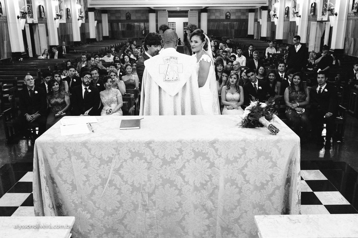 Alysson Oliveira fotografo de casamento no Brasil, Fotografo de Casamento em Uberlandia, Fotografia de Casamento, Casamento, Karine e Cleider, Making off de Casamento, Roupão de Noiva, Capela do marista, Casamento na Capela do Marista Uberaba, Padr