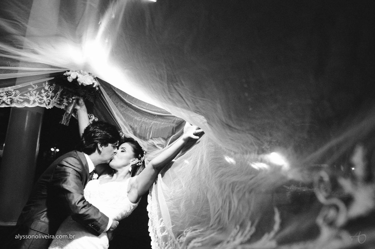 Alysson Oliveira fotografo de casamento no Brasil, Fotografo de Casamento em Uberlandia, Fotografia de Casamento, Casamento, Karine e Cleider, Making off de Casamento, Roupão de Noiva, Capela do marista, Casamento na Capela do Marista Uberaba, veu