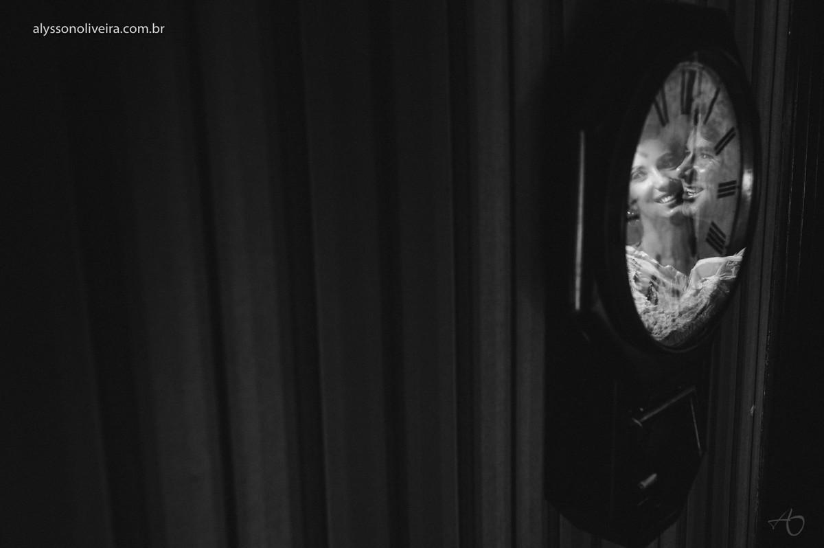 reflexo no relogio, Alysson Oliveira Fotografo de Casamento, Fotografo de Casamento no Brasil, Fotografo de Casamento Uberlândia, Alysson Oliveira Fotografo de pre wedding, Fotografia de pré wedding em Rifaina, Fotografo em Rifaina SP, Fotogr