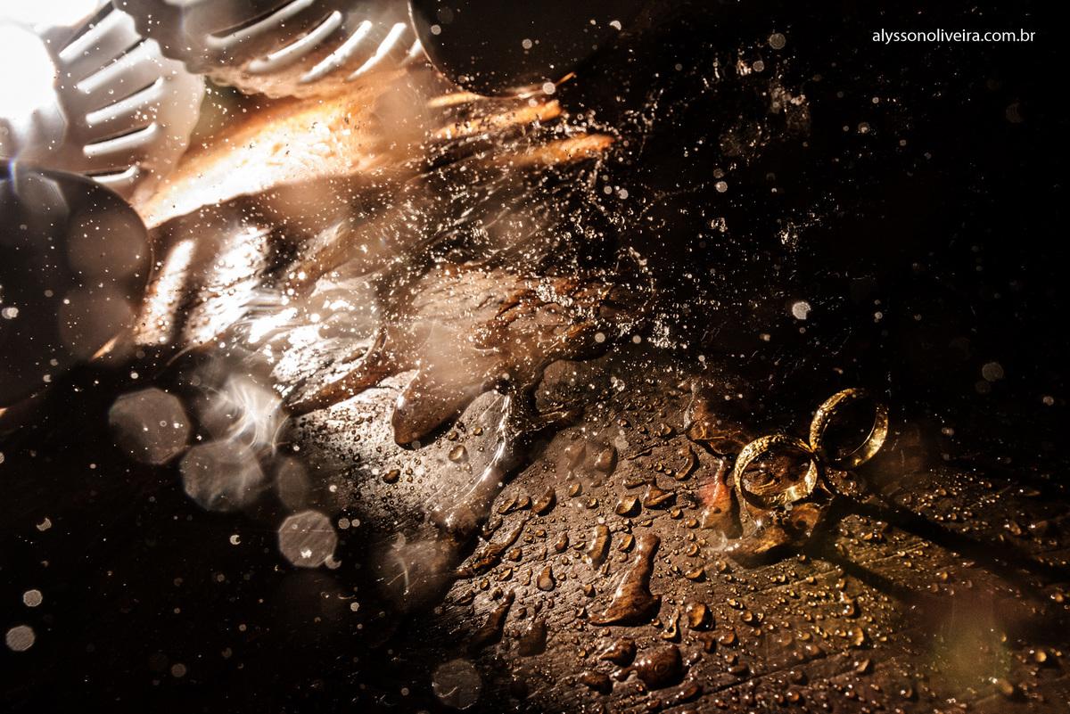 Alysson Oliveira Fotografo de Casamentos, Alysson Oliveira, Inspiration, Fotografo, fotos criativas, Casamento de Josiane e Carlos Eduardo, festa de casamento, dança na recepção, convidado na pista, alianças de casal, alian&cce
