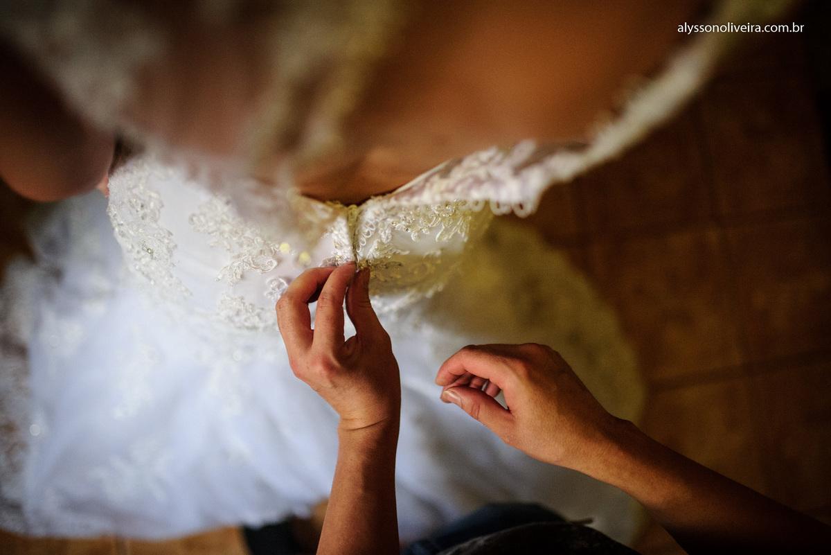 Alysson Oliveira Fotografo de Casamentos, Alysson Oliveira, Inspiration, Fotografo, fotos criativas, Casamento de Josiane e Carlos Eduardo, make de noiva, vestido de noivo moderno, Andre Biage, Roupão de noiva