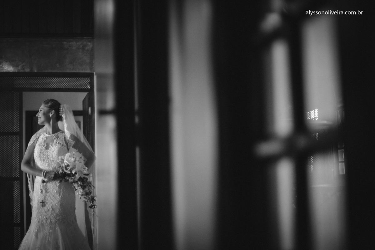 Alysson Oliveira Fotografo de Casamentos, Alysson Oliveira, Inspiration, Fotografo, fotos criativas, Casamento de Josiane e Carlos Eduardo, make de noiva, vestido de noivo moderno, Andre Biage, Roupão de noiva, flores para noiva