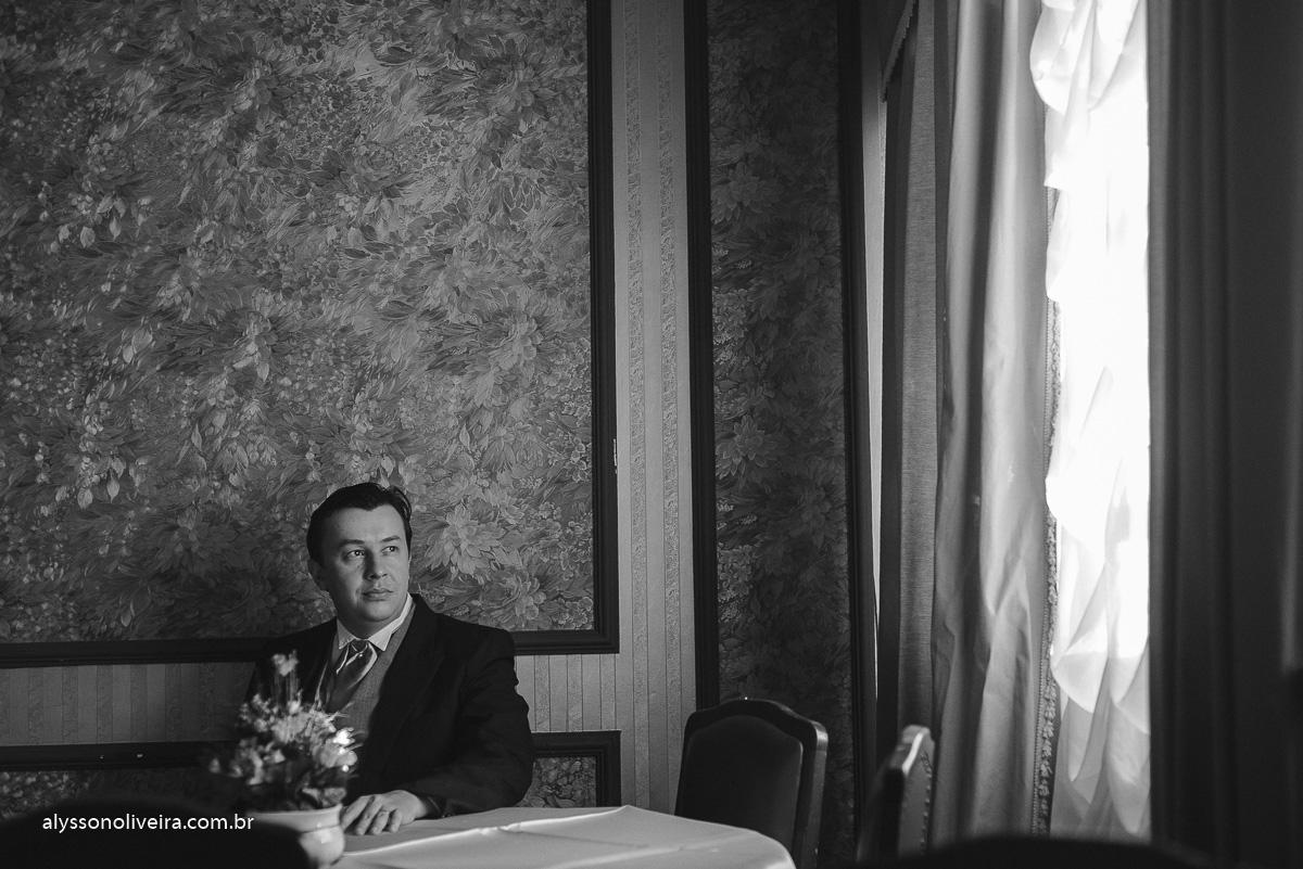 sapato do noivo, terno do noivo, roupa para noivo, traje de noivo, Alysson Oliveira Fotografo de Casamento no Brasil, Fotografo de Casamento, Fotografo de Casamento no triangulo mineiro, Fotografo de Casamento em Uberaba, Aliança de Casamento, Buqu