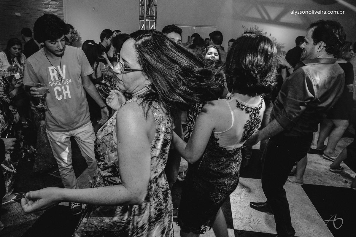 Vestido de Casamento, Making off da noiva, Alysson Oliveira Fotografo de Casamento no Brasil, Fotografo de Casamento, Fotografo de Casamento no triangulo mineiro, Fotografo de Casamento Em Uberaba, Sapato de Noiva, Casamento Rhaiza e Marcelo, Making off d