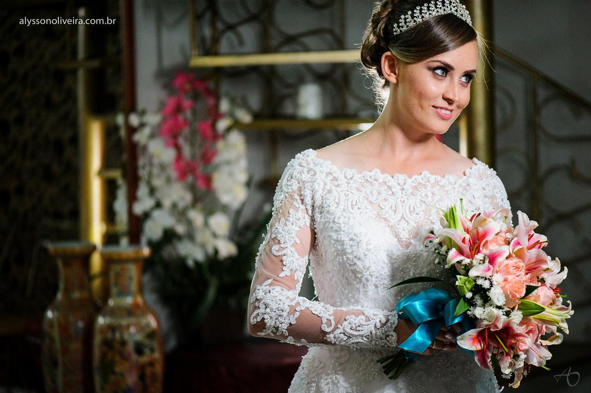 Casamento Stanley e Leticia, Fotografo em Abadia dos Dourados, Fotografo em coromandel, Alysson Oliveira Fotografo em Abadia dos Dourados, buque de noiva