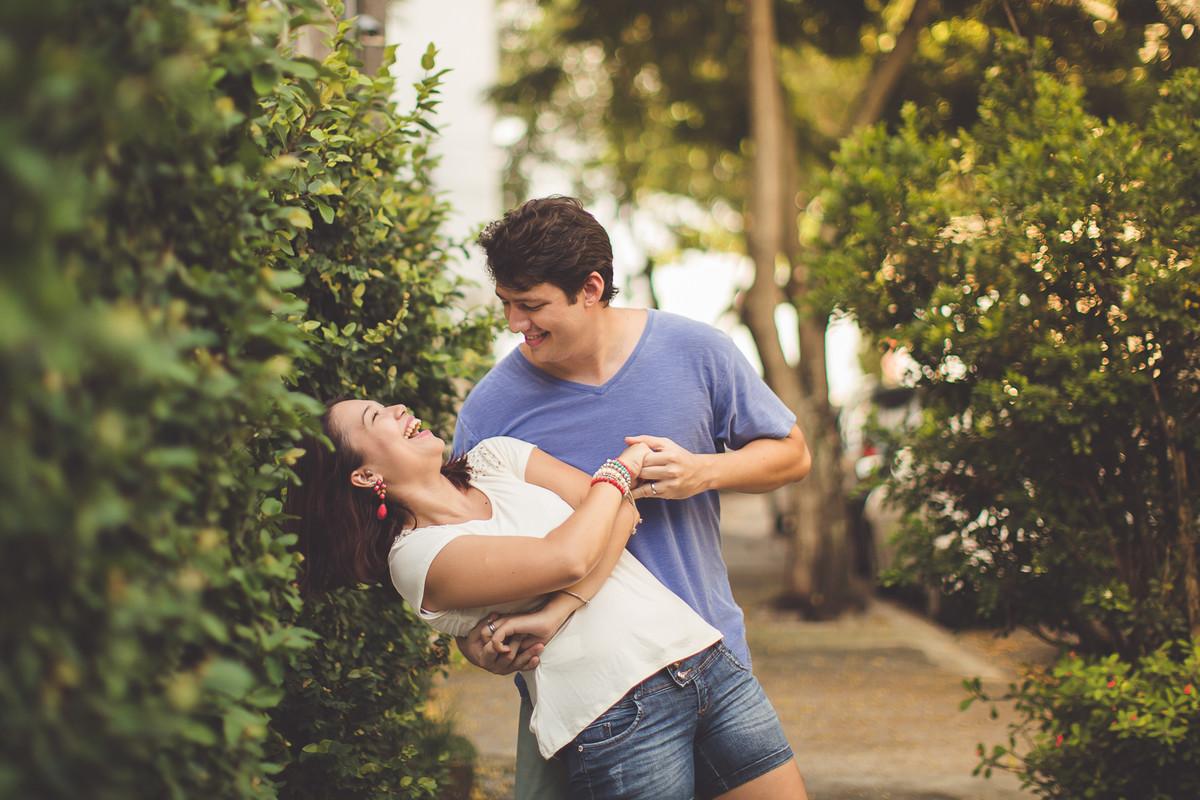 Casal durante ensaio fotográfico no RIO DE JANEIRO para comemorar o casamento e união de dez anos