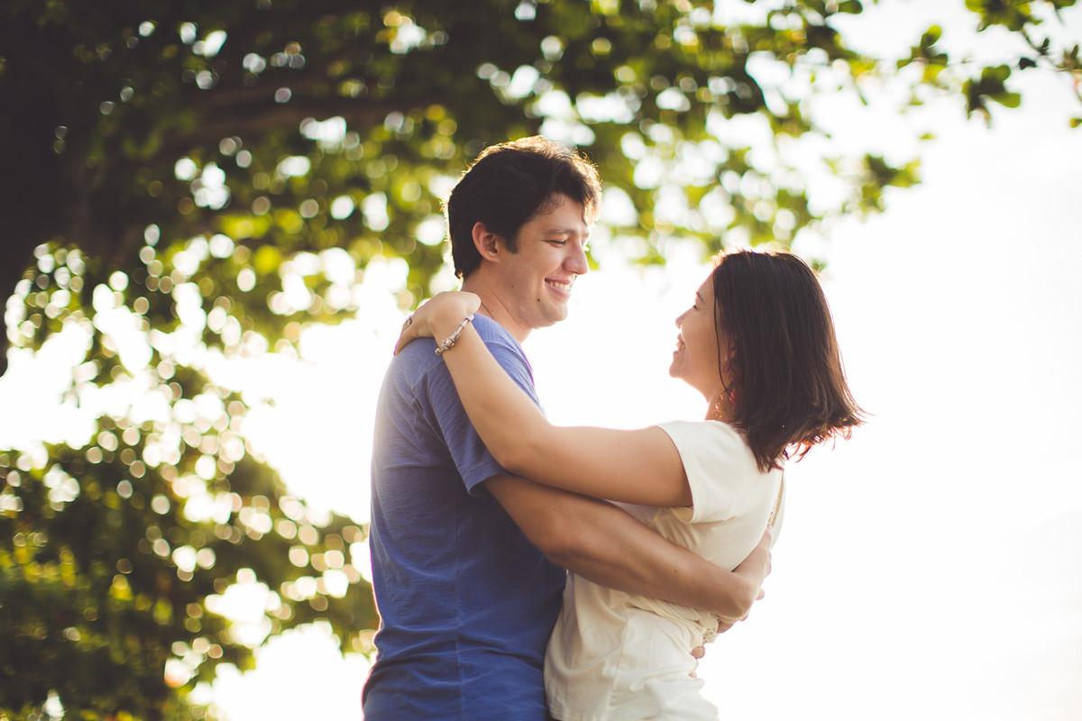 Casal durante ensaio fotográfico no RIO DE JANEIRO para comemorar o casamento e união de dez anos e Roberto