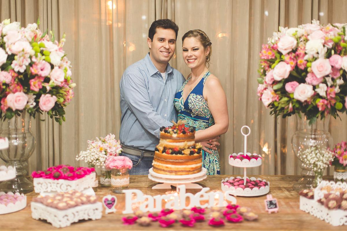 festa de aniversario para comemorar 30 anos no rio de janeiro bolo naked cake mulher festa