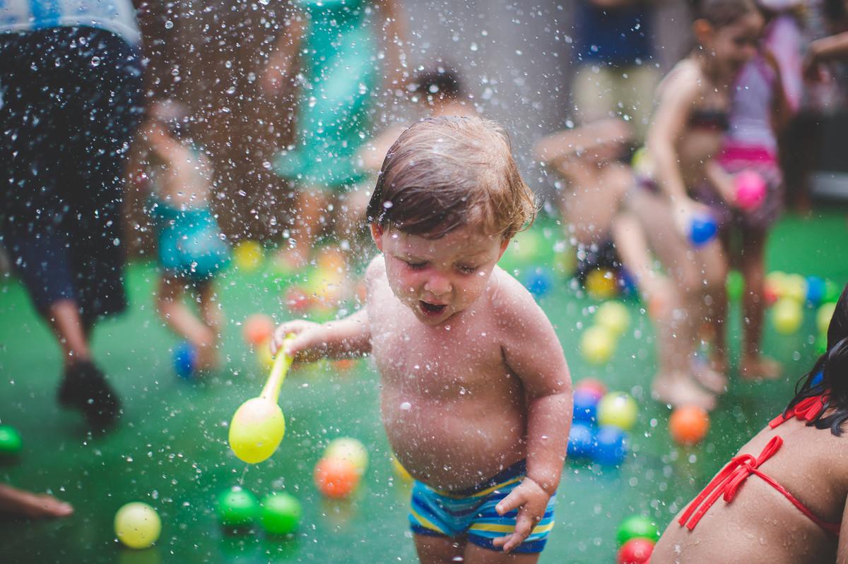 festa infantil aniversário de um ano criança bagunça fotografia de festa infantil rio de janeiro fotografia de família amor criança