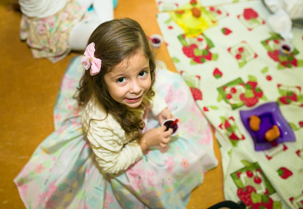 Foto menina de laço rosa
