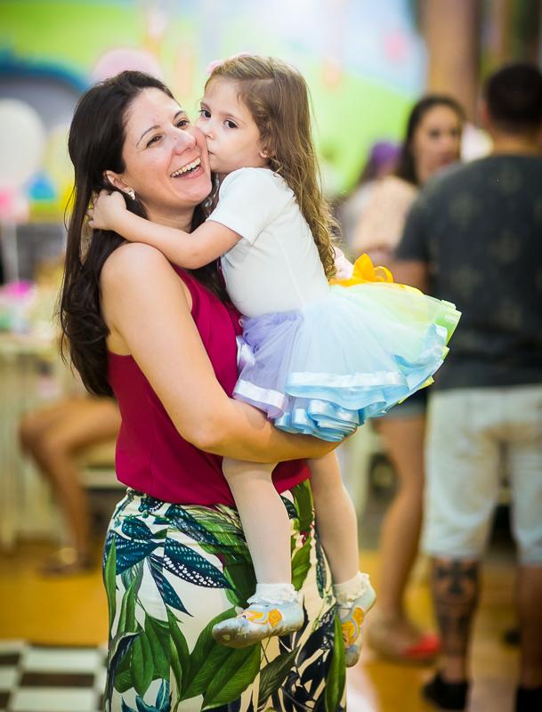 Fotografia mamãe e filha festa infantil