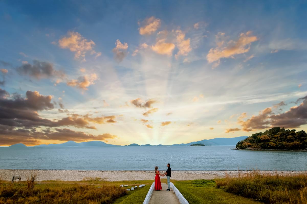 ensaio pré Wedding casal no caminho da praia Sahy