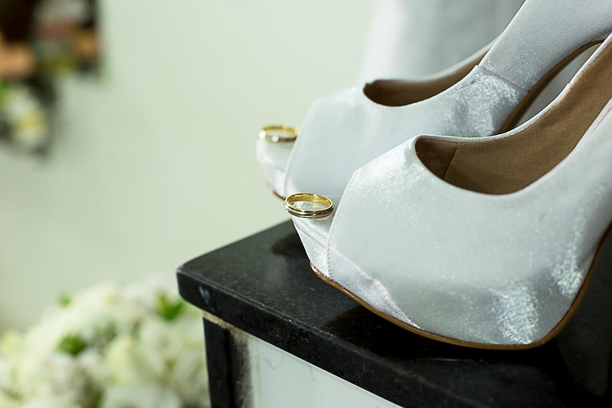 Alianças no Sapato da Noiva