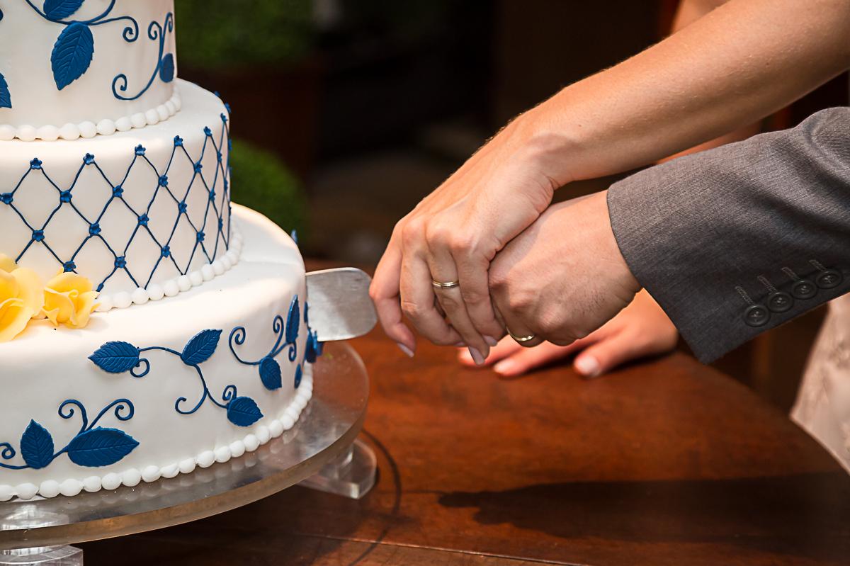 Cortando Bolo Casamento