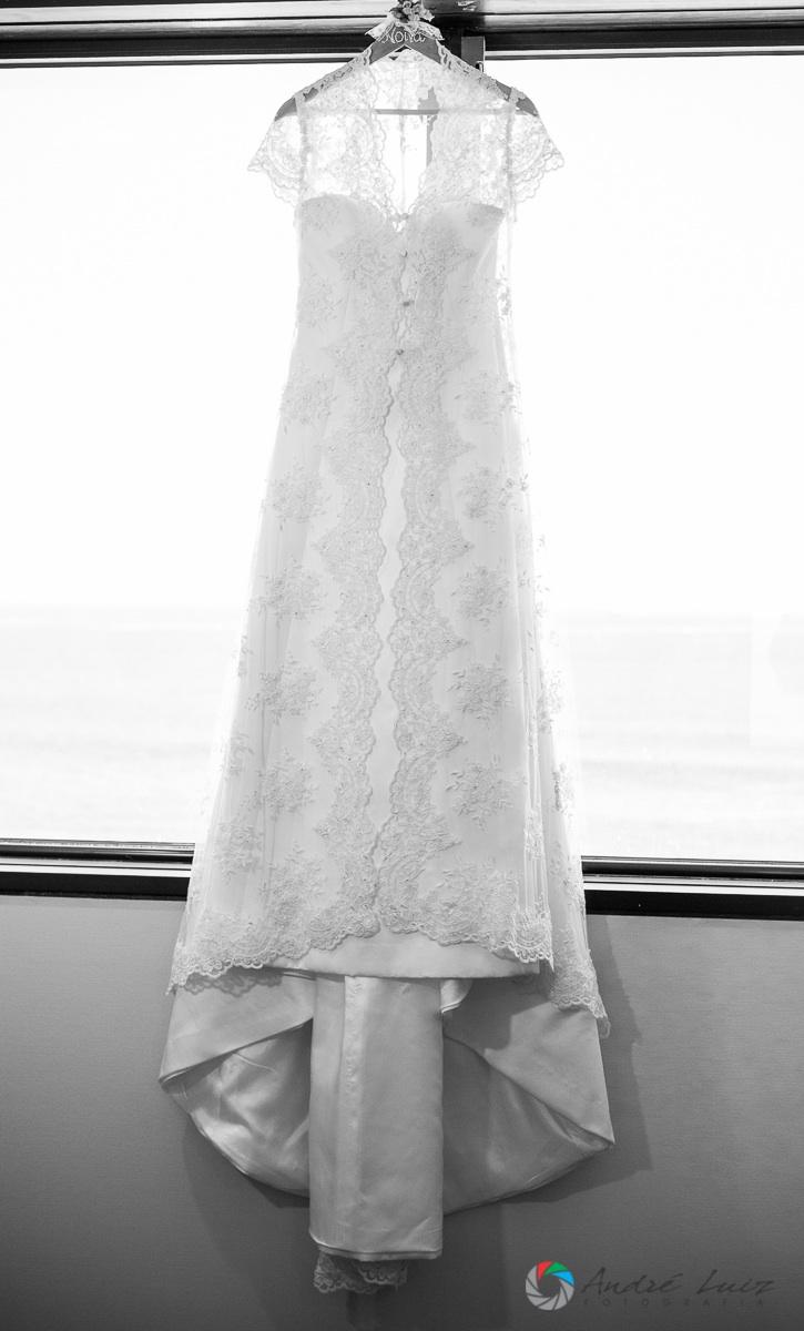 vestido pendurado