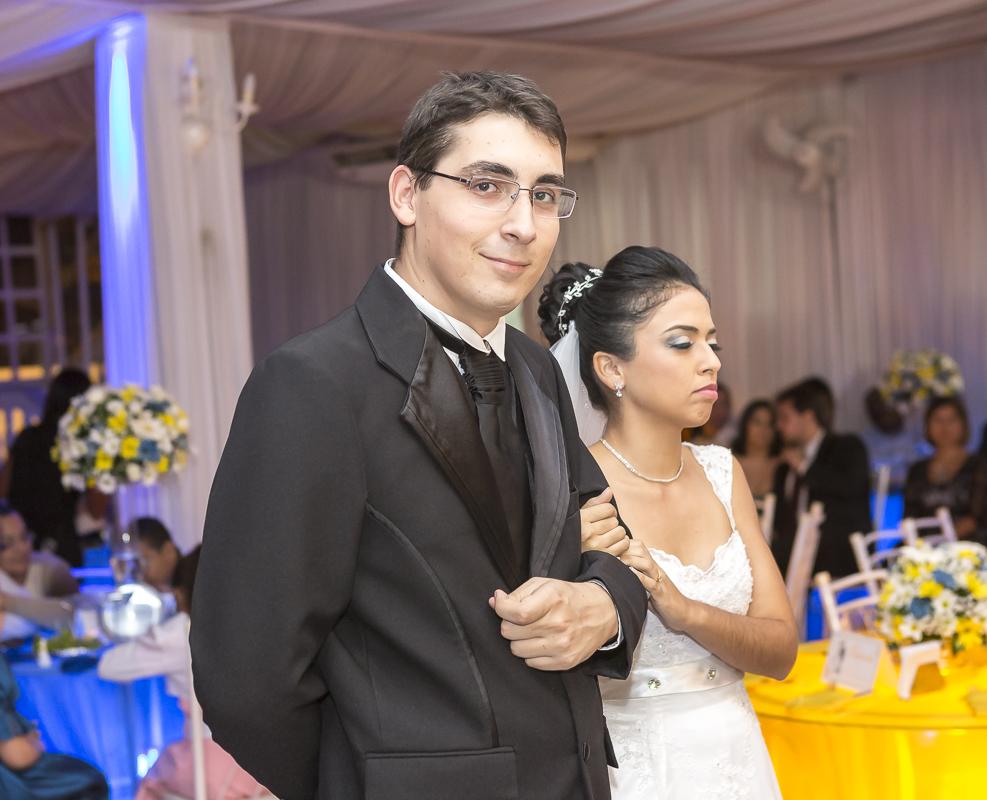 Olha o noivo