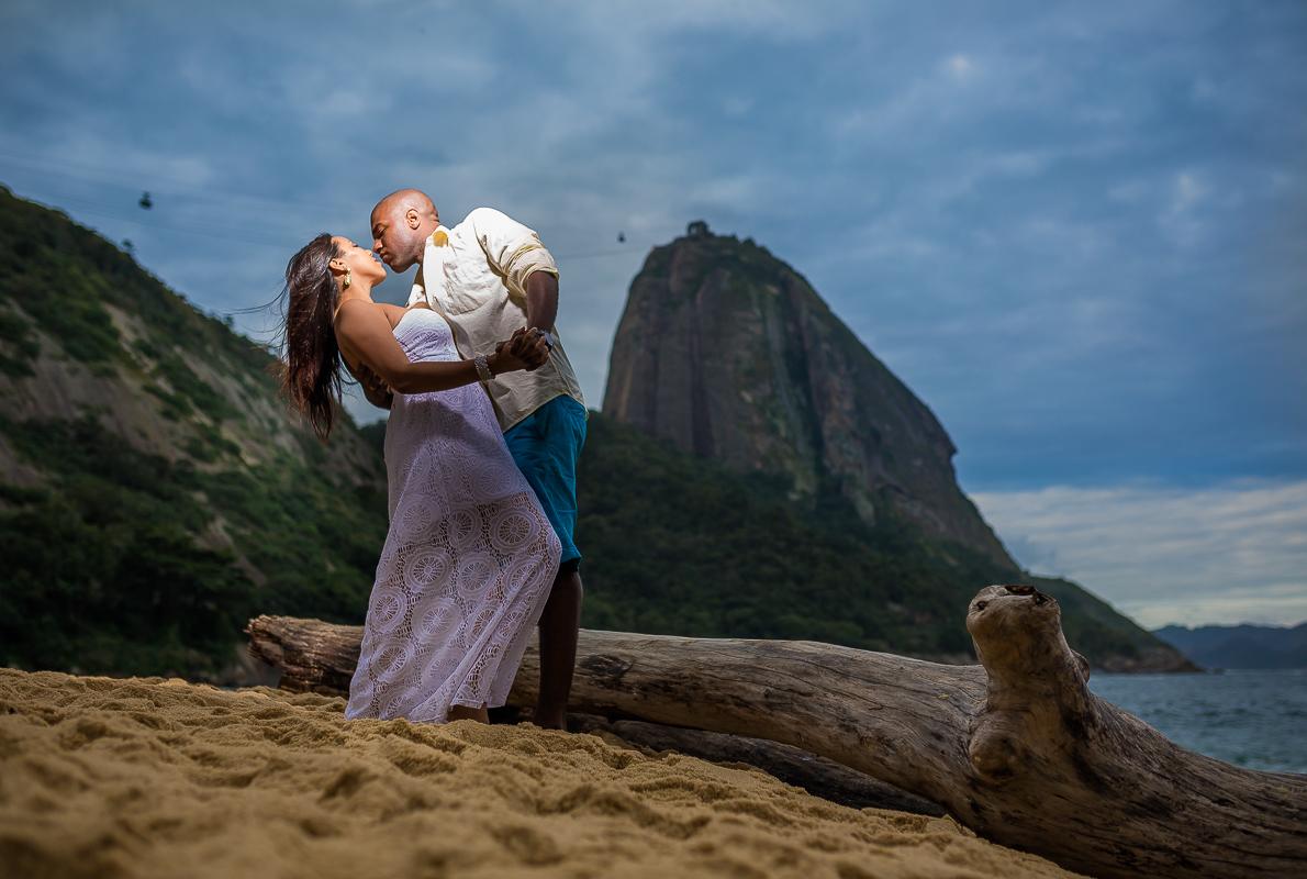 Beijo ensaio noivos