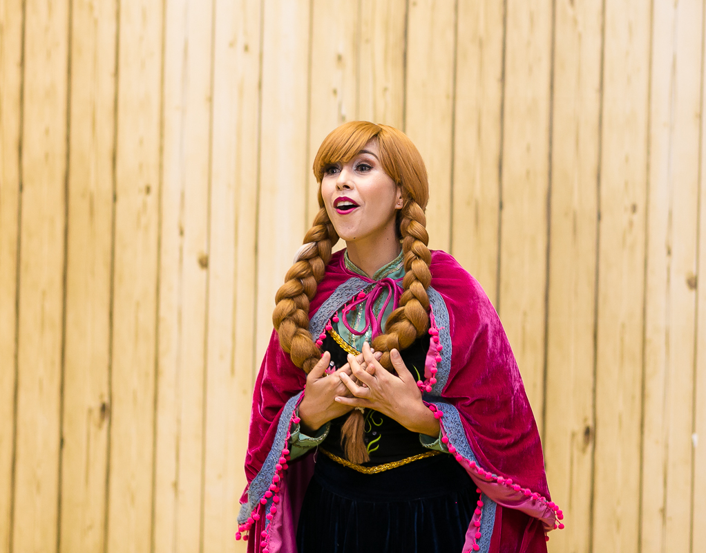 Princesa Ana Cantando