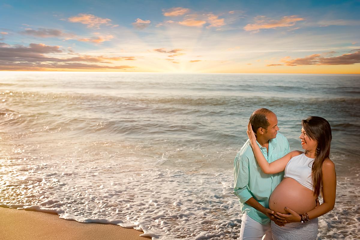 gravida e esposo no ensaio