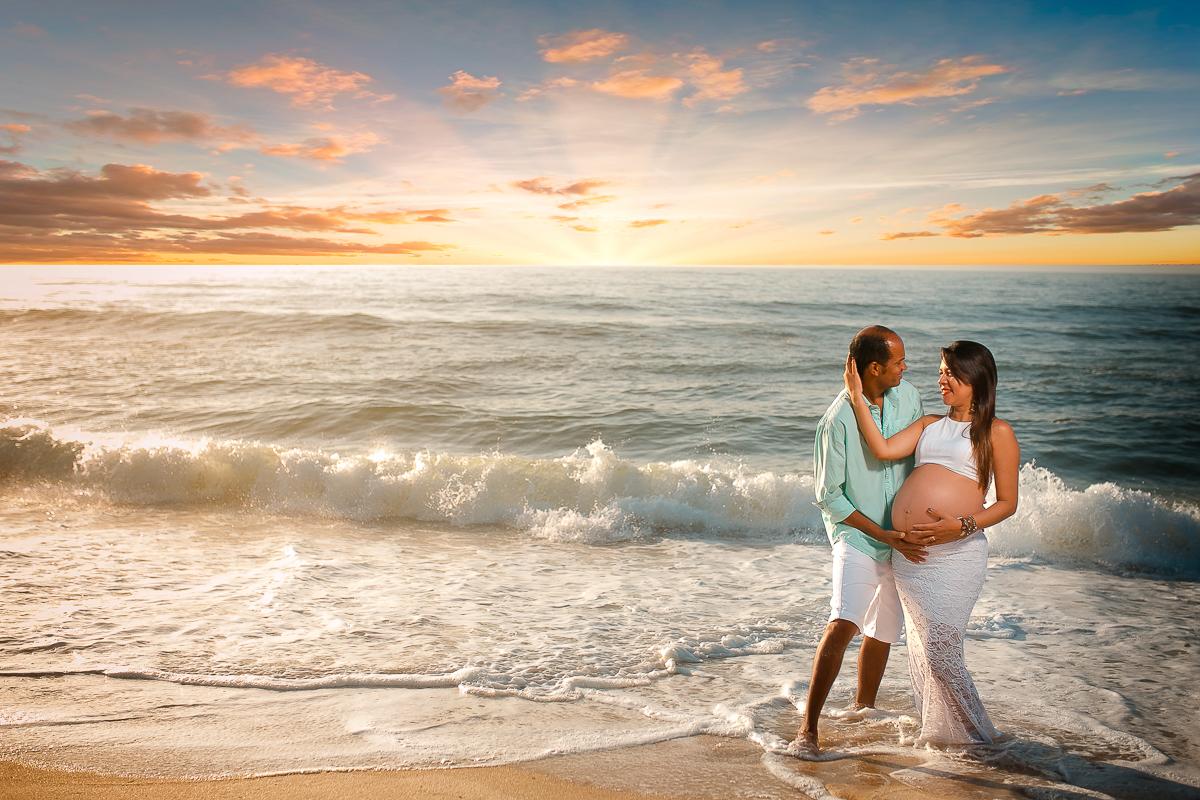Foto na praia de grávidas