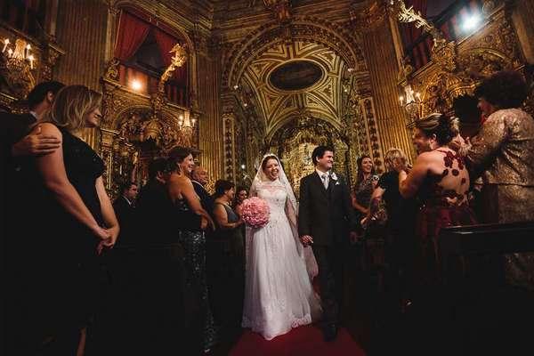 Casamentos de Carol e Léo I Casamento em Ouro Preto I Igreja do Pilar