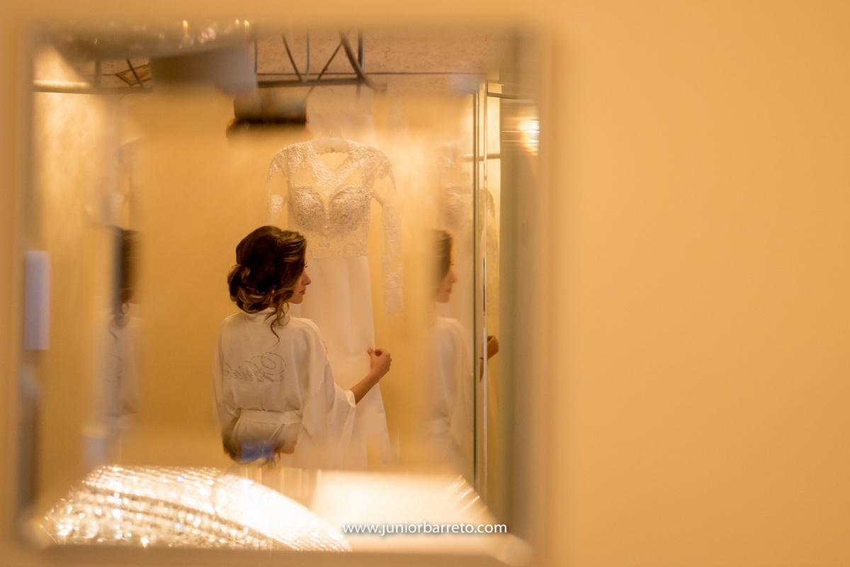 The Ancient Spanish Monastery, casamento em miami, wedding in miami, destination wedding, Bride, dress