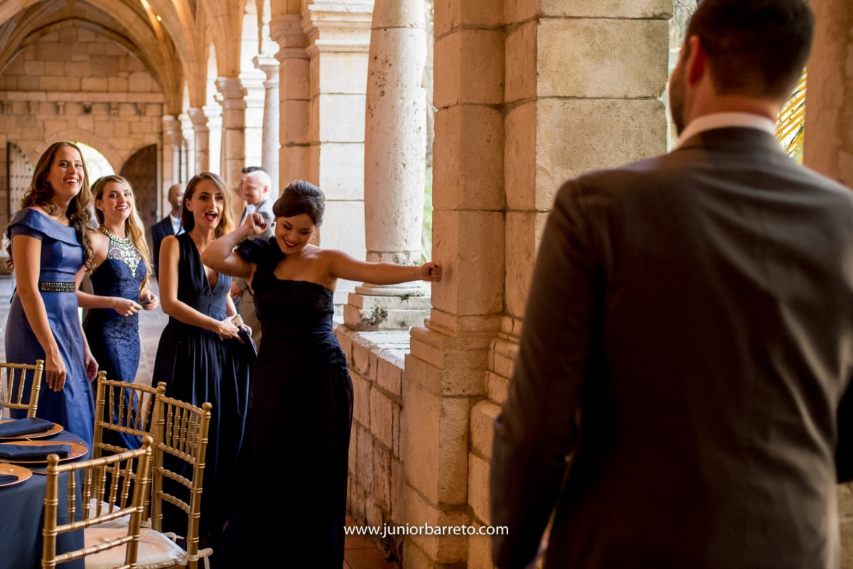 The Ancient Spanish Monastery, casamento em miami, wedding in miami, destination wedding, Bride, dress, dama da honra, daminha, sapato da noiva, sandalia da noiva, irmã da noiva, padrinhos do noivo, padrinhos, perfume da noiva, madrinhas da noiva,