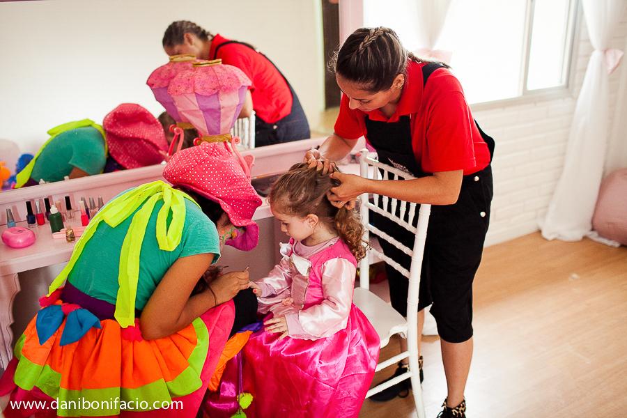 recreadora de festa infantil