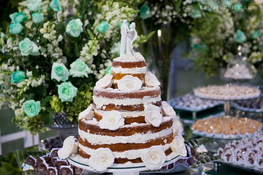 Fotografia de casamento São Bento do Sul SC Fotógrafa Karla Rudnick Making of da noiva Noivos Fotos Novotel Mini Wedding Naked cake